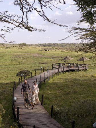 Hatari Lodge: Wooden sundowner deck