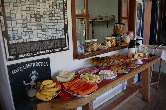 Pousada da Bia: café da manhã