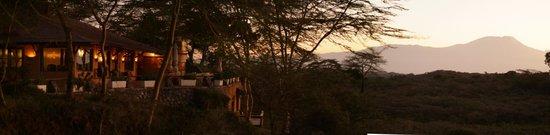 Hatari Lodge : Sunrise with Kilimanjaro