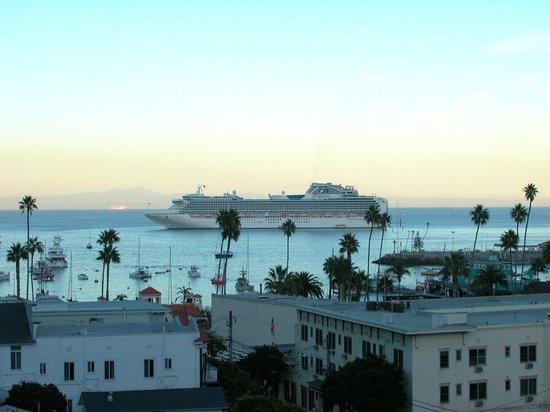 Casa Mariquita Hotel: Balcony View of Avalon Harbor