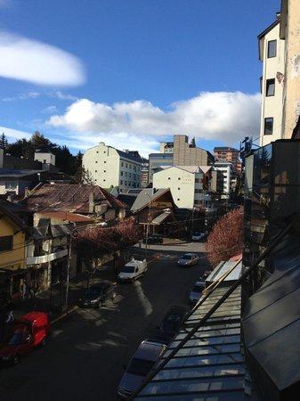 Ayres del Nahuel: Vista para o centro, esquina com a rua Mitre