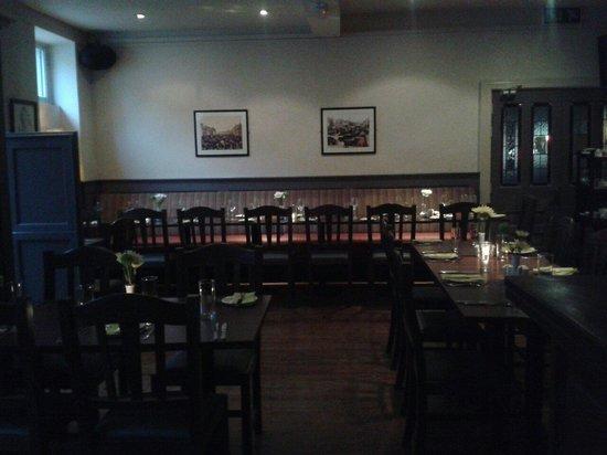 Noel Ryan Bar and Restaurant: Dining room