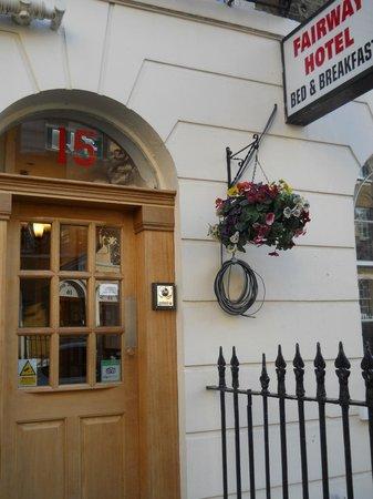 Fairway Hotel : Entrada del Hotel