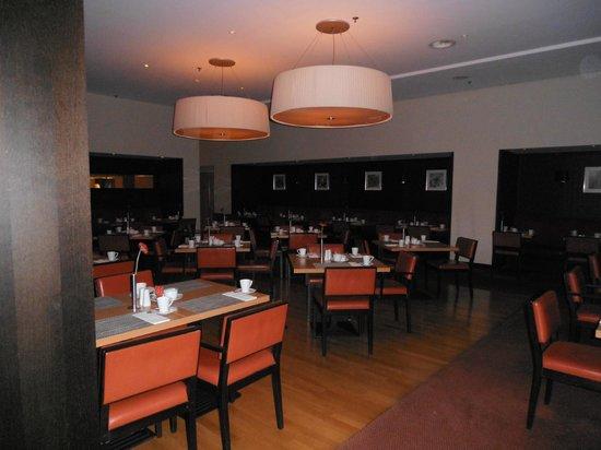 Steigenberger Airport Hotel Amsterdam: Restaurante