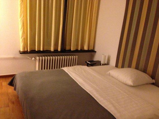 Hotel Scheuble: 窓の向こうはふつうのアパート