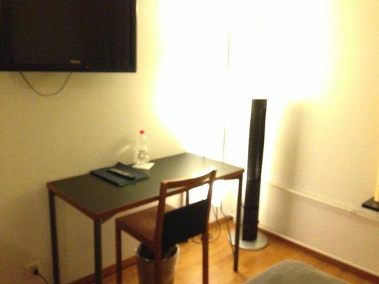 Hotel Scheuble: 冷蔵庫なし