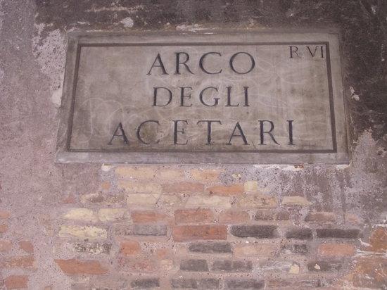Arco degli Acetari