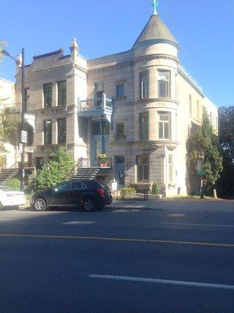 OM Montreal BnB : getlstd_property_photo