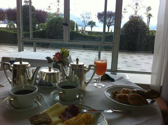 Grand Hotel Des Iles Borromees : petit dejeuner