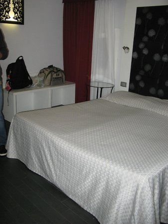 Hotel Aaron: 207 Room
