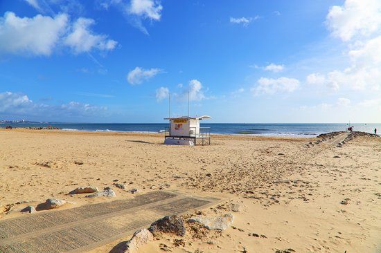 Sandbanks Beach : Lifeguard had a day off