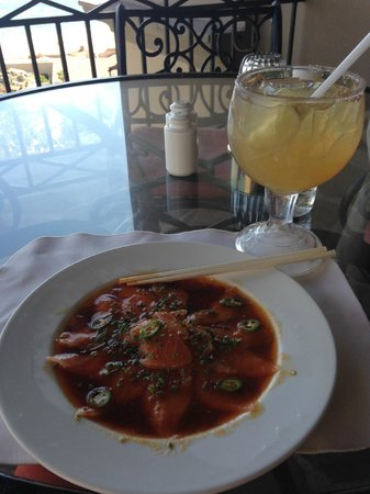 Pueblo Bonito Sunset Beach Golf & Spa Resort: Sashimi and Cadillac Margarita at The Bistro