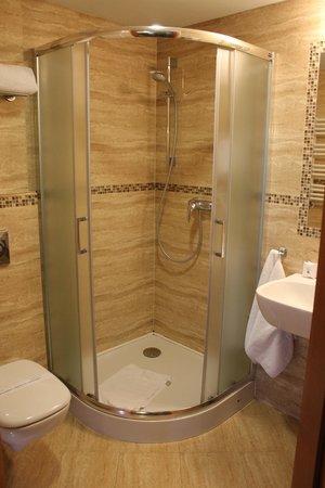 Conrad Hotel & Spa: Душ