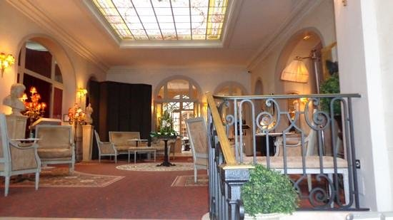 BEST WESTERN Le Grand Monarque: Hall