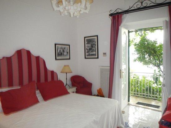 Hotel Buca di Bacco: Clean bright and very Italian