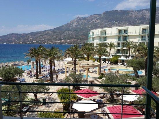 Club Hotel Loutraki : Территория отеля
