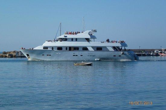 Paphos Sea Cruises: Half day heaven boat