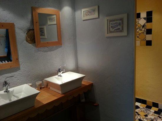 Le Chanelou : salle d'eau