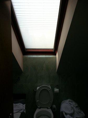 Hotel Vetusta: Baño.