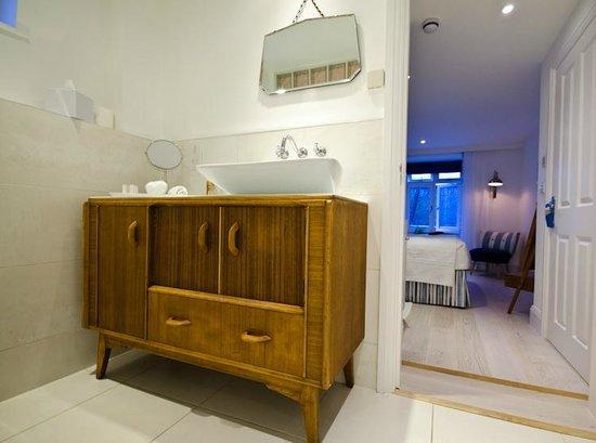 Trevose Harbour House: Bathroom