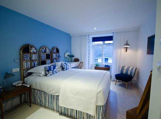 Trevose Harbour House: Bedroom with View in to the Warren