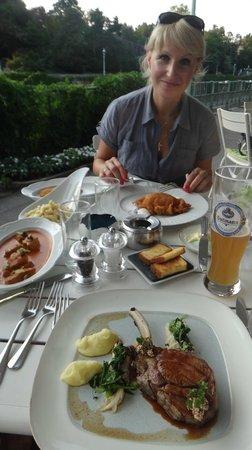 Meierei am Stadtpark: Шницель и клёцки - самые вкусные в Вене