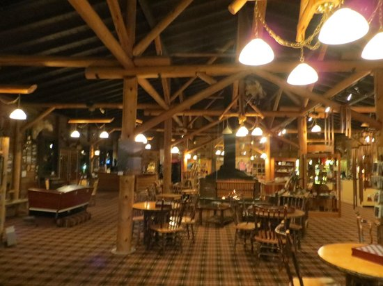 Grand Lake Lodge: Inside Lodge is beautiful