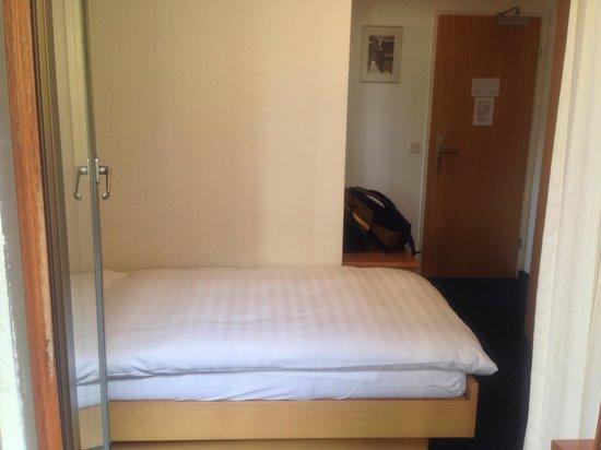 Hotel Alpenrose : Comfy bed