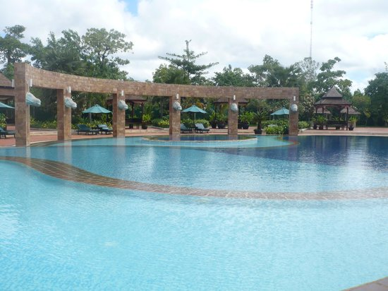 Pacific Hotel & Spa: The pool