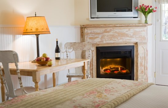 The Woodstock Inn on the Millstream: Our fireplace rooms are perfect for warm, cozy nights