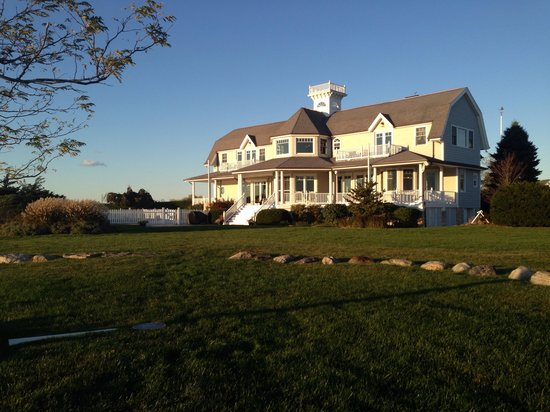 Seatuck Cove House Waterfront Inn: View of the Seatuck house