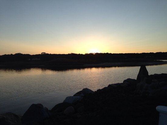 Seatuck Cove House Waterfront Inn: View of sunset