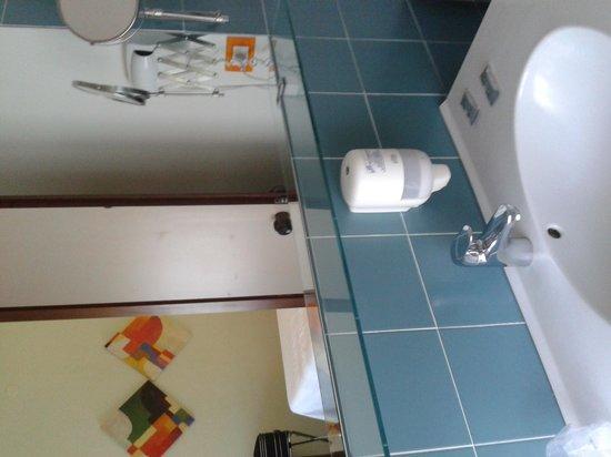 Hotel Orvieto: bagno 1