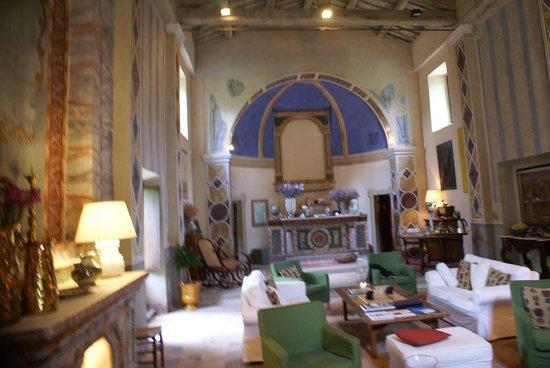 """Borgo di Carpiano: L'incantevole """"hall"""" del borgo"""