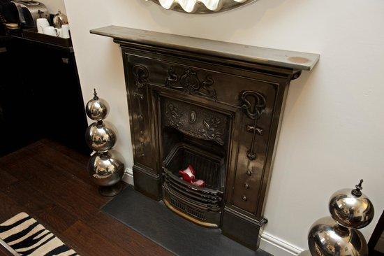 Strozzi Palace Boutique Hotel Suites: Fireplace