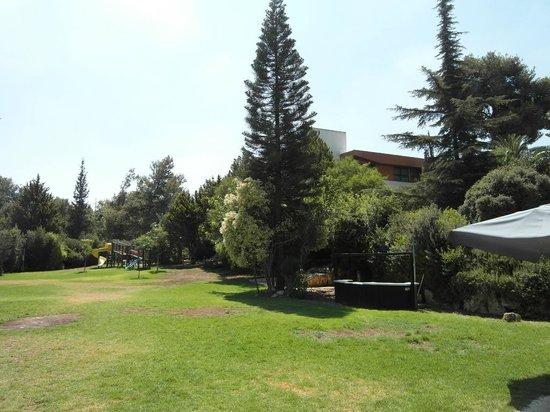 Neve Ilan Hotel: Парки