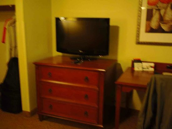 Country Inn & Suites By Carlson, Chattanooga at Hamilton Place Mall: TV