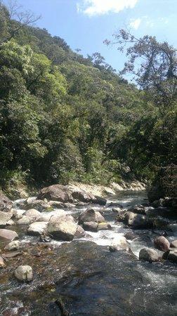 Pousada Rio da Prata : Cachoeiras na trilha fria