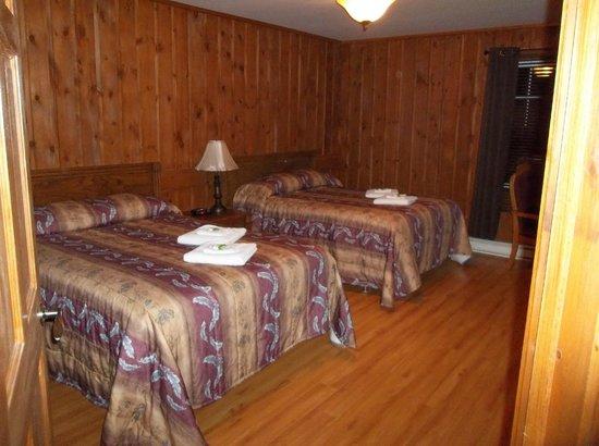 Rabaska Lodge : une chambre du chalet