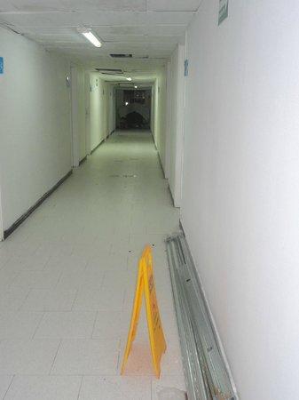 Hotel Blue Tone : rotura de ascensor