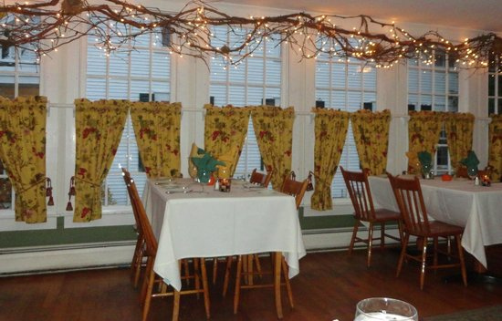 The Dorset Inn Restaurant : The breakfast room