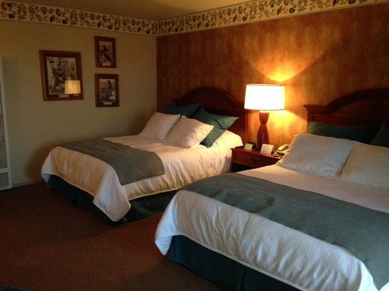 456 Embarcadero Inn & Suites: #310