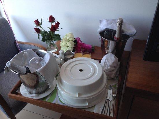 Nissi Beach Resort: Wedding breakfast