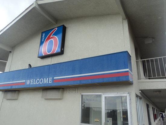Motel 6 Albuquerque Northeast : Exterior