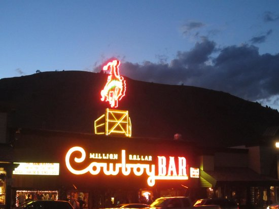 The Lodge at Jackson Hole: Cowboy Bar in Jackson