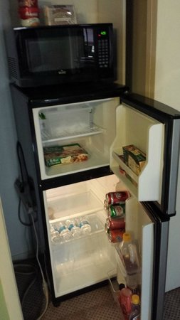 Up Up and Away Lodging: Plenty of room in the mini fridge for a bottle of wine or 3