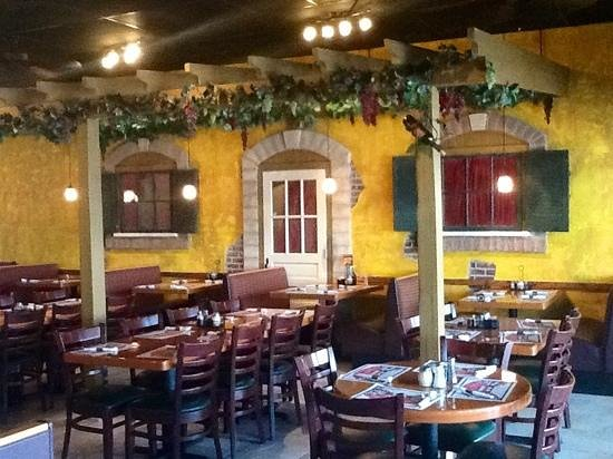 Angela's Italian Restaurant: Angela's new dining room