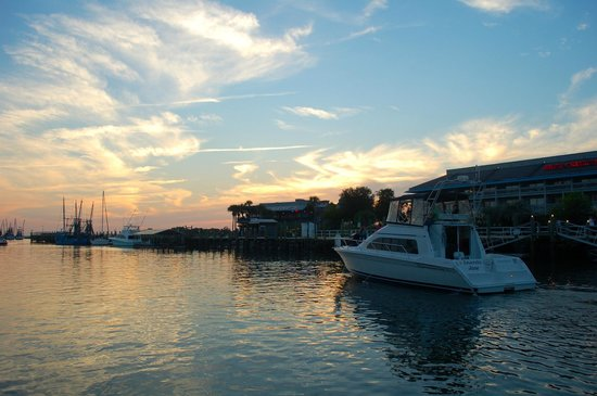 Centerline Charters: Sunset on board Amanda Jane