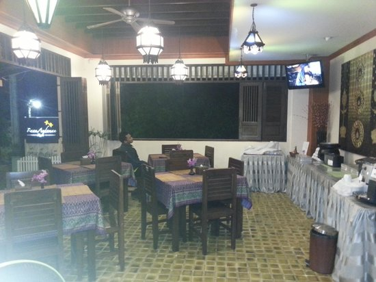 Baan Andaman Hotel Bed & Breakfast: The hotel lobby