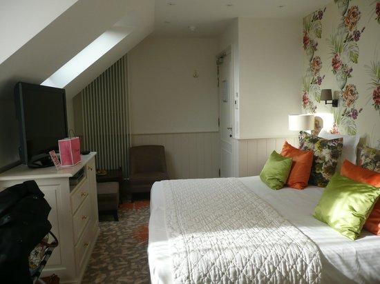 Hotel Prinsenhof Bruges: Vue globale de notre chambre deluxe